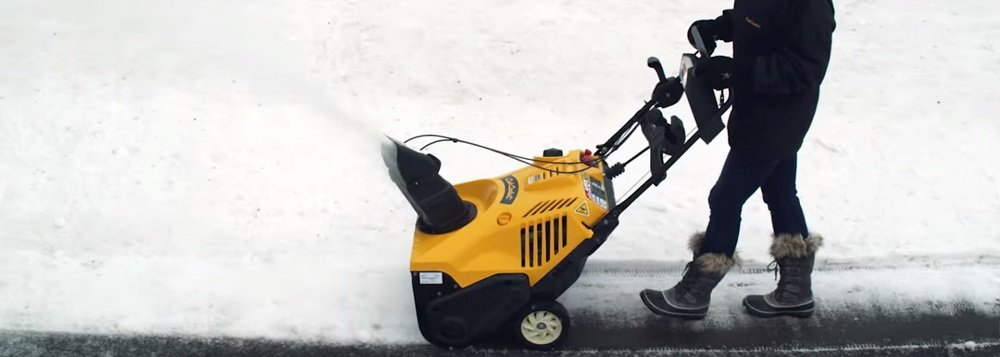 What is the best time to buy snow blowers?