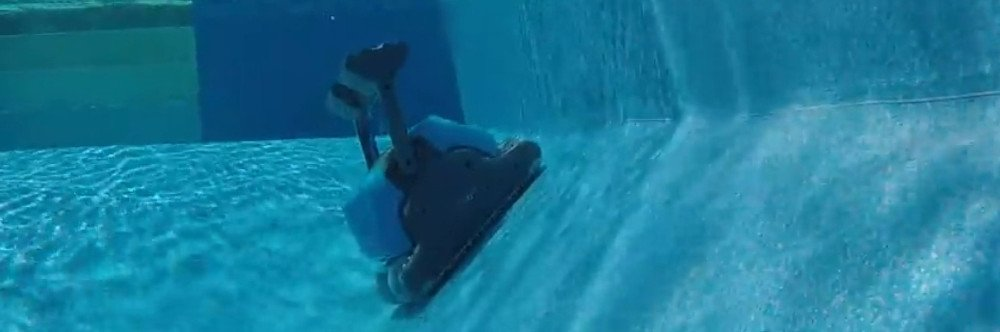 Dolphin Oasis Z5i Robotic Pool Cleaner Review